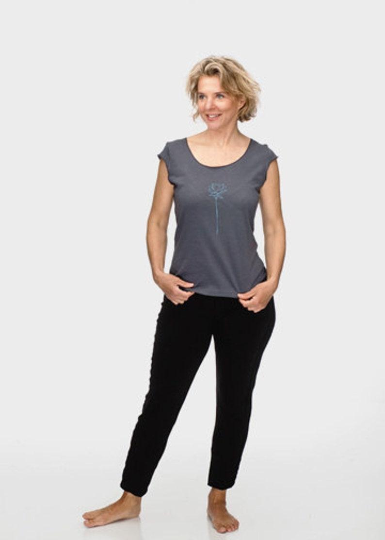 8b767923ba93a Women's T-Shirt |Gray T-Shirt|Soft Graphic T-shirt|Lotus  Flower|Tee|American Apparel|Yoga Clothes|Gifts for Women|Gift for  Mom|TShirt
