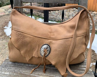 0d5db0d3a022a Beautiful Buttery Soft Vintage DEERSKIN Leather Zippered Hobo Bag w/Silver  Concho ~ Hippie Boho Bag Crossbody Purse ~ Southwest Desert Wear