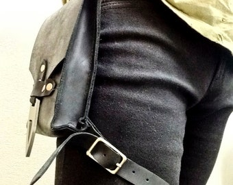 Hip Pouch -Solid Leather - Black
