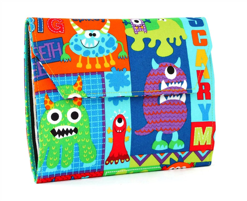Crayon Wallet with option to add a name Crayon organizer image 0