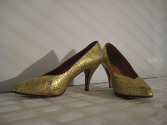 Genuine Vintage Snakeskin New Wave Pumps