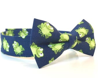 Frog Bow Tie navy blue and green frog print bowtie Boys Bow Ties kids bow tie baby bow tie animal bow tie Frog Party frog theme green frog