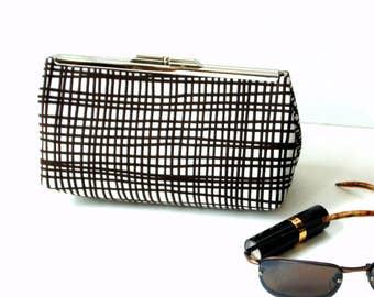Clutch handbag, kiss-lock frame closure, brown white funky plaid, metal frame purse, frame handbag