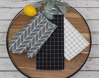 Farmhouse Kitchen Gift Set, Hot Pad Gift Set, Oven Mitt Gift Set, Kitchen Linen Gift Set, Pot Holder Gift Set, Wedding Gift, Gift for Mom