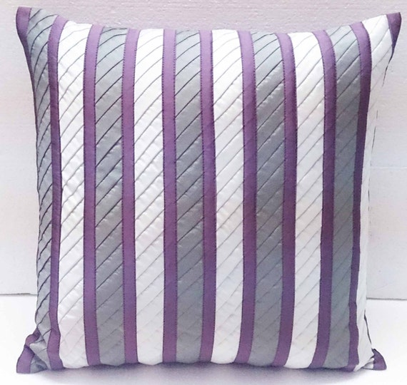 lila und Gret Streifen Muster mit diagonalen Streifen Kissen | Etsy