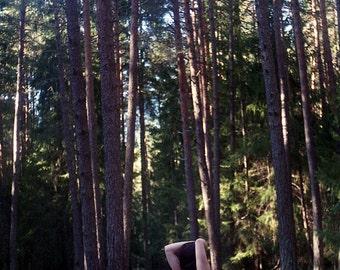 naked outdoor photoshoot