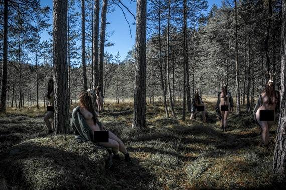 Nackt in der natur bilder