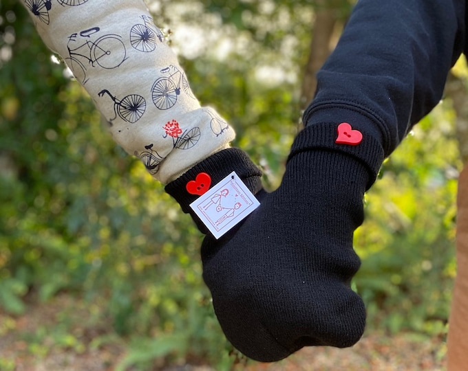 VALENTINES DAY Gift for Him, Gift for Her, Gift for Kids, Gift for Parents, Gift for Friends! Smitten Mittens are a Great Gift for All!