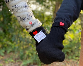 Love Gloves! The Perfect Gift for your Boyfriend or Gift for your Girlfriend, these Smitten Mittens are a Great Gift for All!