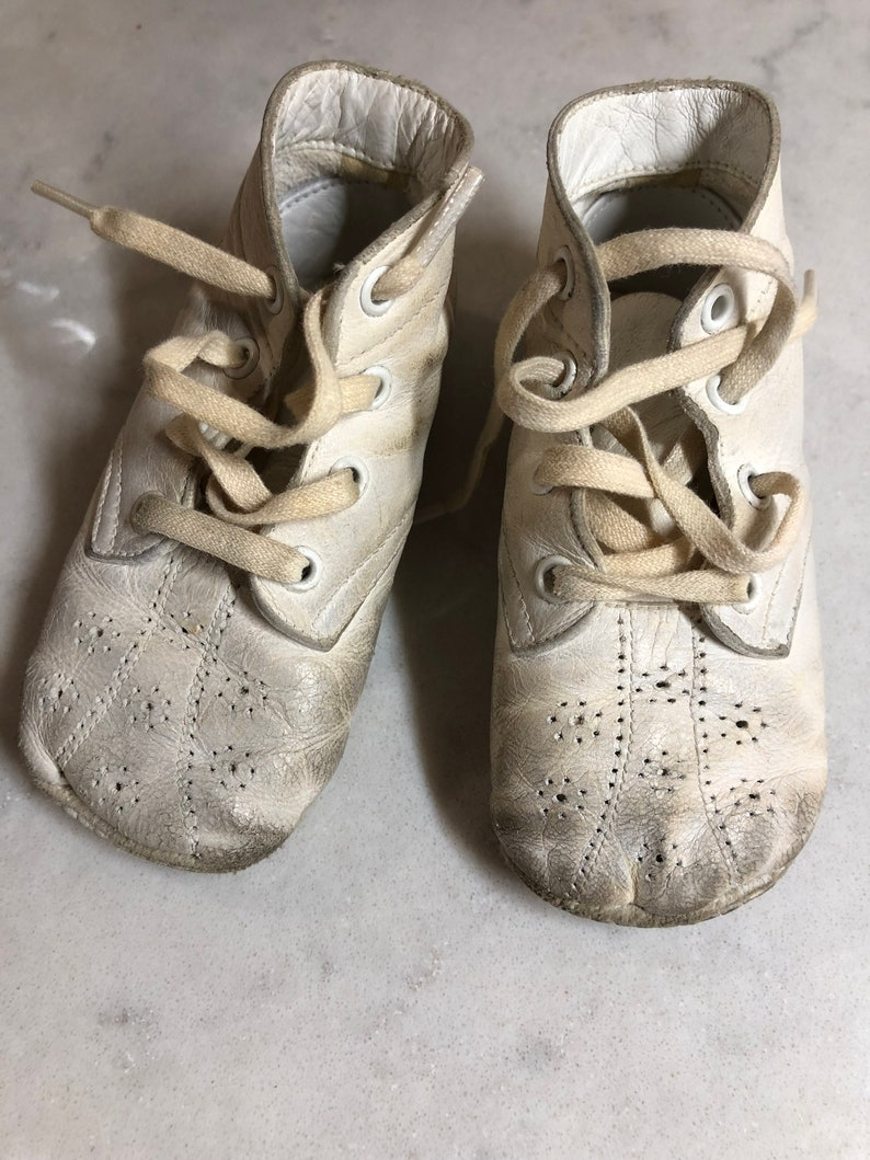 86fb347e275cd Vintage Baby Shoes - Leather Baby Shoes - Mrs. Day's Ideal Baby Shoes in  Original Box -Made in USA - Vintage Infant Shoes - Crib Shoes