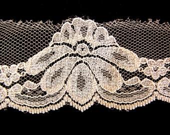 Vintage Shiny Beige Floral Lace, 1.75 Inches x 4 Yards, Destash Remnant