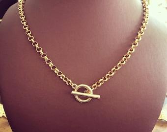 T clasp necklace