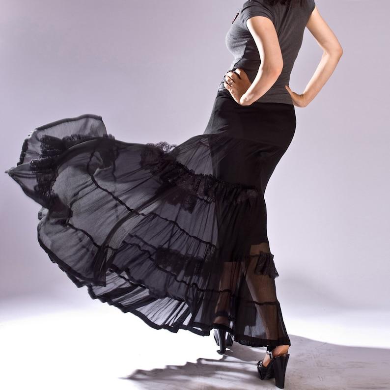 f167c11a52d343 Jupe gitane, jupe noire, jupe longue, jupes femmes, jupe en soie à la main,  vêtements de mode