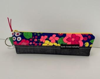 pencil pouch, marker pouch, handmade clutch, zipper pouch, zipper clutch, make up bag, wristlet, gadget bag