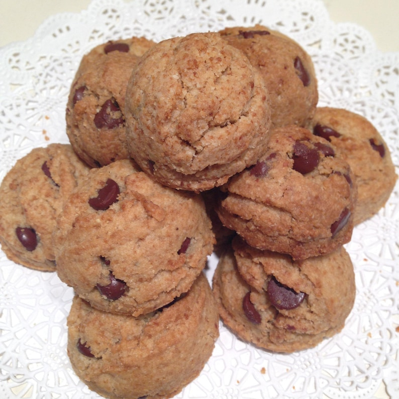 Buttercelli's World Famous Paleo Chocolate Chip Cookies image 0