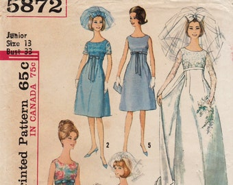 Simplicity 5872 / Vintage 60s Sewing Pattern / Empire Wedding Dress / Bridal Gown / Size 13 Bust 33