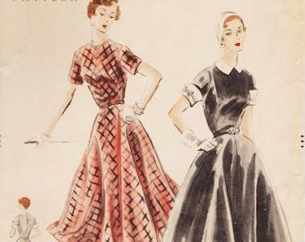 Vogue 7872 / Vintage 1950s Sewing Pattern / Dress / Size 14 Bust 32