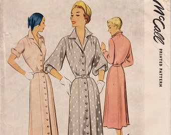 McCall 8112 / Vintage 1950s Sewing Pattern / Dress / Size 16 Bust 34
