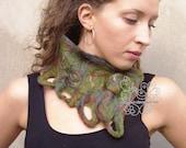 Green felt neckwarmer sca...