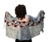 Grey silver nuno felt scarf for women. Wrap felted silk scarf with red poppy flowers