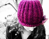 Red-violet chunky knit ha...