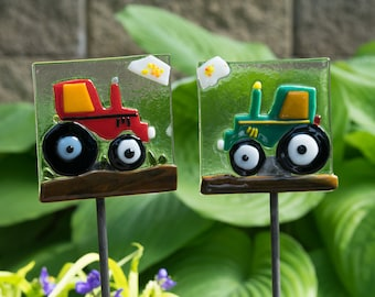 LittleLouieCrafts: Happy Father's Day, Deere Dad, International Harvester Red, Tractor, Fused Glass Garden Stake,
