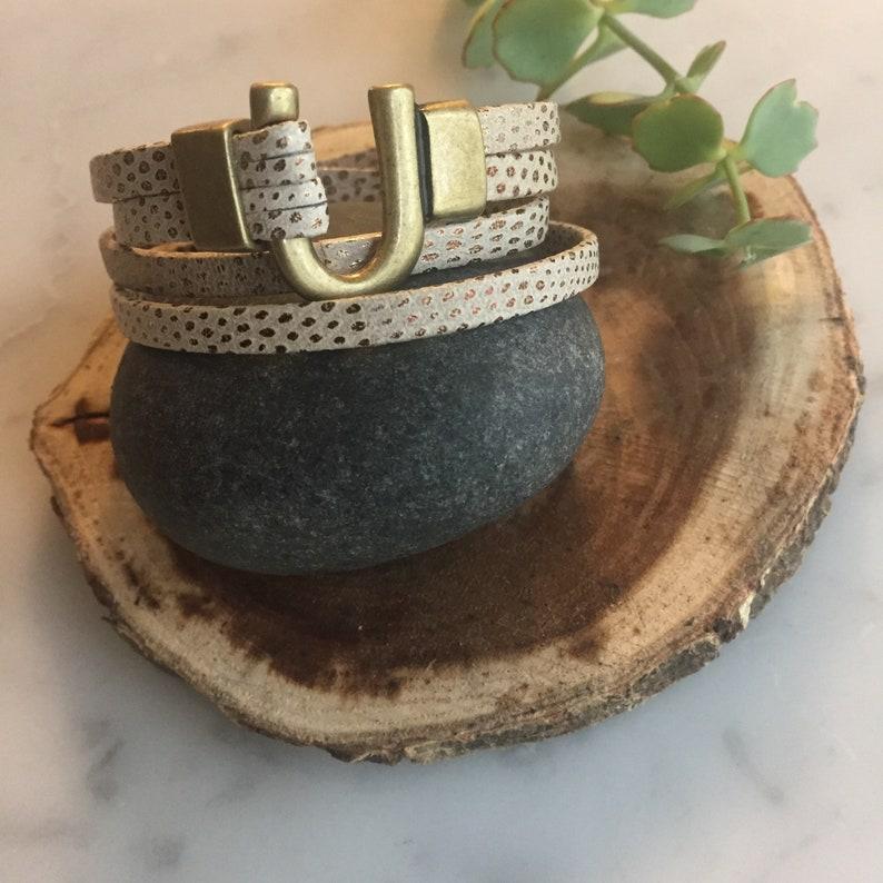 Leather Wrap Bracelet  Horseshoe Clasp  Antique Gold  image 0