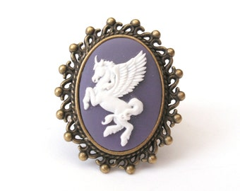 Pegasus Ring, Purple Pegasus Cameo Ring, Winged Horse, Flying Horse, Unicorn Ring, Antique Bronze Lace Edge Setting