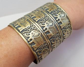 Vintage Style Wide Brass Elephant Cuff, Elephant Bangle, Elephant Bracelet, Slate Gray Patina, Brass Bangle, Boho Jewelry, Ethnic Bangle