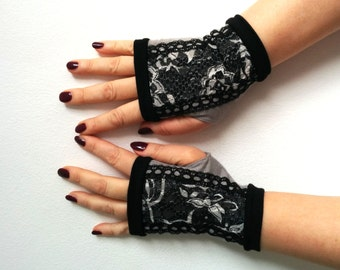 Fingerless gloves black with lace