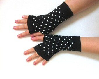 Black with  White Polka-dotted gloves Completely Lined with Cuffs