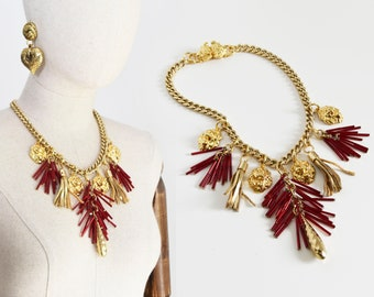 EXCLUSIVE handmade necklace. High quality gold tone metallic necklace