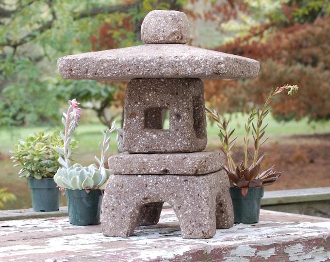 """Hypertufa Garden Lantern in Yukimi-dōrō Style 18"""" Tall Taupe Color"""