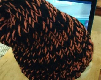 Pink and black winter hat.  Very soft yarn.