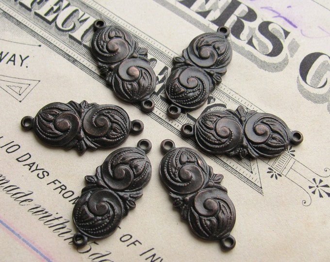 15mm chubby mini paisley link, dark antiqued brass, 6 links, aged black patina, swirl design, Fallen Angel Brass, graceful design