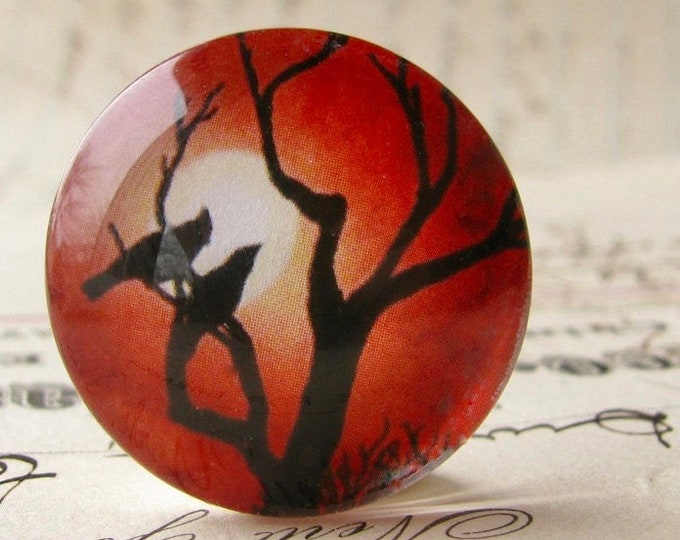 Lovebirds in a tree silhouette against a full moon, 25mm round handmade glass oval cabochon, red sky, sunset, Mystic Moon collection