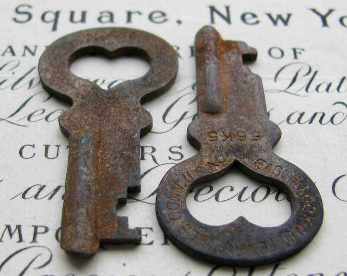 Pair of hearts, two genuine antique safety deposit bank keys, 1.5 inches, rustic, distressed, aged black patina, authentic vintage
