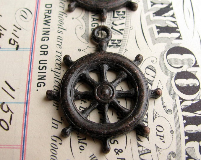 Ship steering wheel pendant, antiqued black pewter, sea captain, pirate lore, ocean, beach, nautical, boating, guidance CH-SC-042