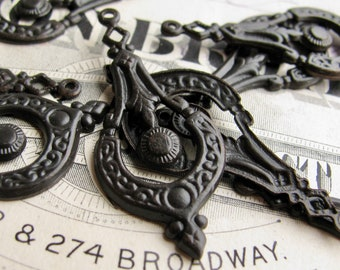 Art Deco pendant drop, 30mm, black antiqued brass (4 earring charms) black patina dangle