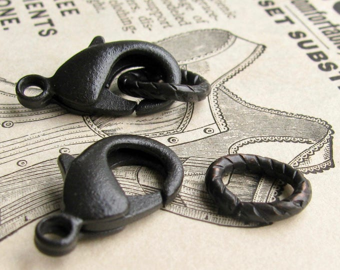 Jumbo black hook and eye set, 9x10mm etched oval link, 22mm lobster clasp, antiqued black patina (2 sets) infinity link, parrot clasp set