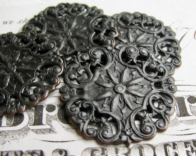 Aster filigree medallion, antiqued dark brass, 27mm (4 discs) flat round circle stamping ornament, aged black patina