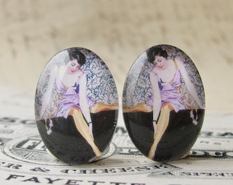 NEW! 1920s vintage stocking ad, 25x18mm glass oval cabochons, mirrored pair, opposites, flapper era, Jazz fashion, commercial illustration