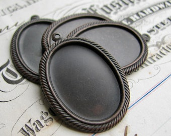 25x18mm rope edge cameo setting (4 cabochon bases) black antiqued brass, oval frame pendant 18x25mm, aged black patina