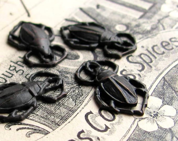 Scarab beetle links,18mm connector, dark antiqued brass (4 black beetles) aged black patina, goth gothic, nickel free, bug charm, insect