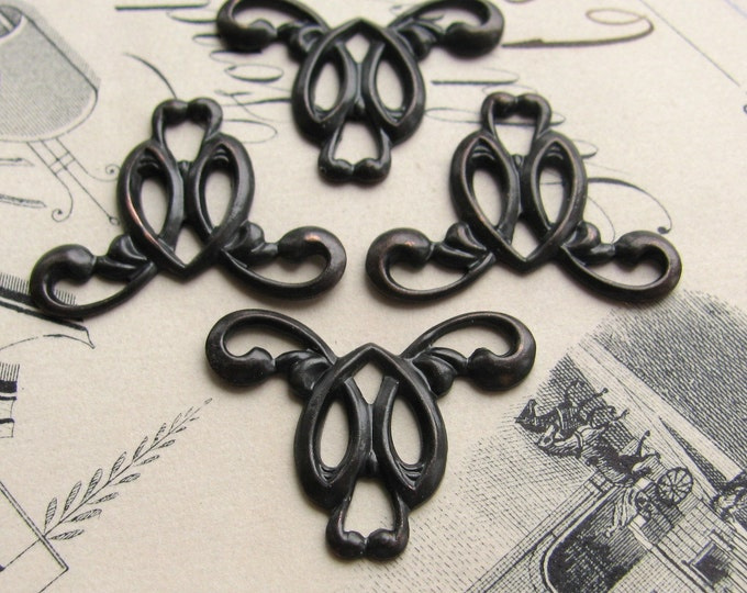 Art Nouveau swirling necklace link - 20mm - antiqued black brass (4 links) oxidized finish, aged dark patina, necklace drop, flourish