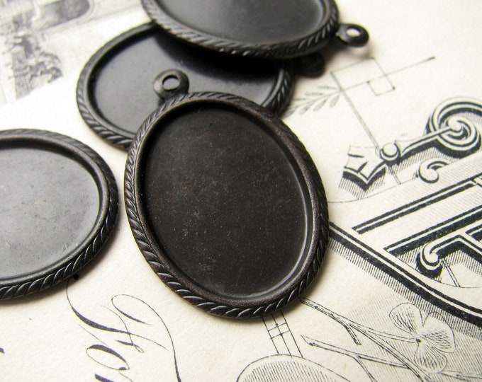 Rope cameo setting, fits 18x13mm cabochon, black antiqued brass (4 frames) oxidized brass, 13x18mm 13x18 18x13 13mm 18mm 13 18 mm CF-SV-002