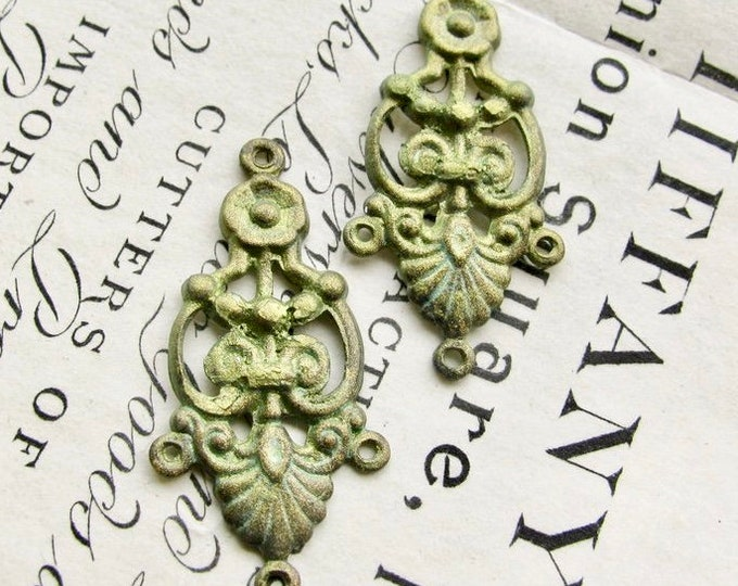 Absinthe finish, shimmering green patina, 2 decorative chandelier earring links, 35mm (2 connectors) brass earring drops