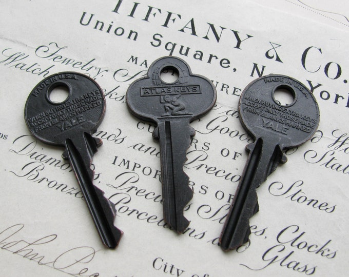 Decorative blade keys, vintage car keys, refinished, 2 inches, distressed, black patina, authentic vintage key, original rustic old key