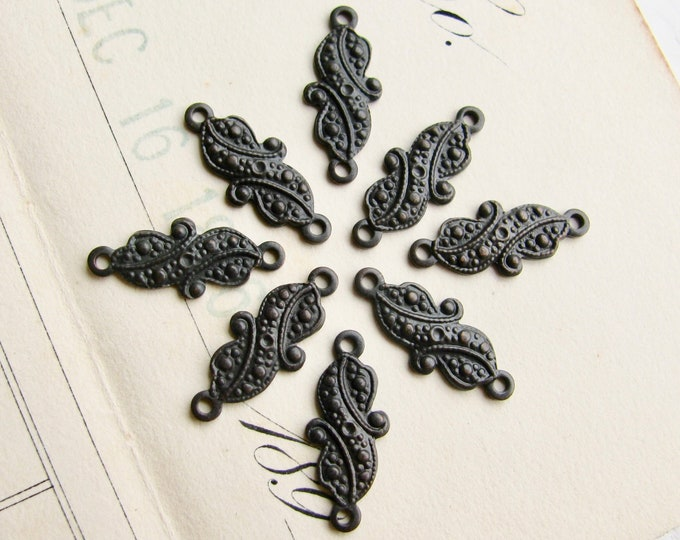 12mm mini paisley link - antiqued black brass (8 links) blackened patina, tiny small link, Fallen Angel Brass, traditional pattern