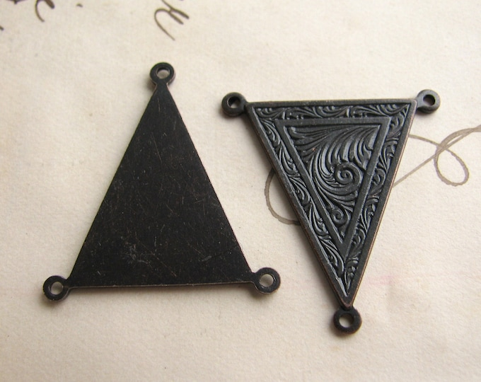 Queen Anne Triangle link - 25mm necklace link, black antiqued brass (2 triple connectors) oxidized finish, aged dark patina